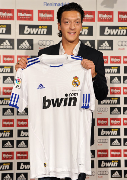 Mesut+Ozil+Real+Madrid+Unveils+New+Player+w1ssAw67LkGl.jpg