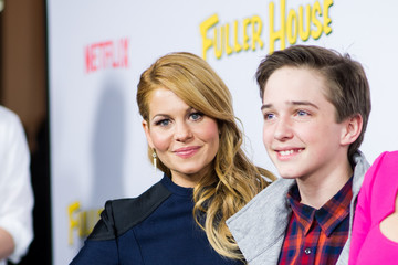 Michael Campion An Alternative View of Netflix's 'Fuller House' Premiere