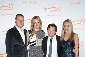 Michael J. Fox 2014 A Funny Thing Happened On The Way To Cure Parkinson's