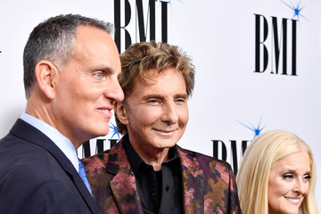 Michael O'neill Broadcast Music, Inc (BMI) Honors Barry Manilow at the 65th Annual BMI Pop Awards - Red Carpet
