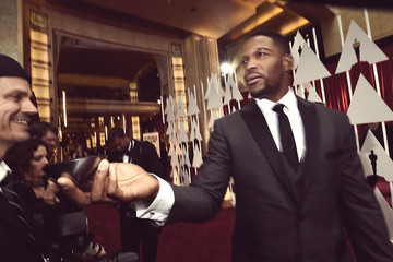 Michael Strahan Alternative View of the 87th Annual Academy Awards