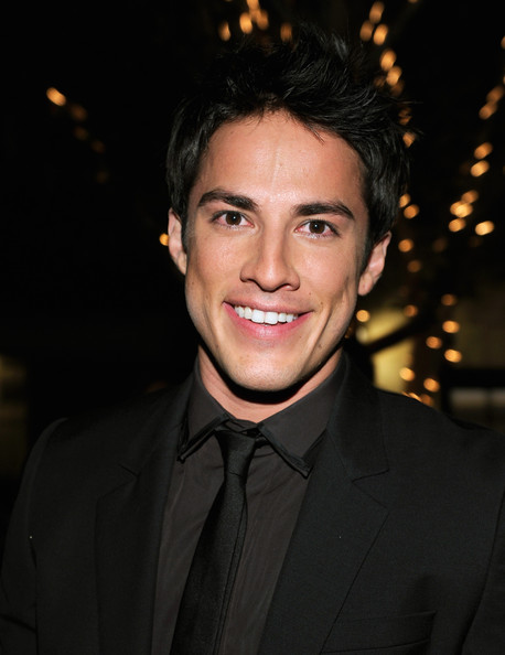 Michael Trevino - Picture Colection