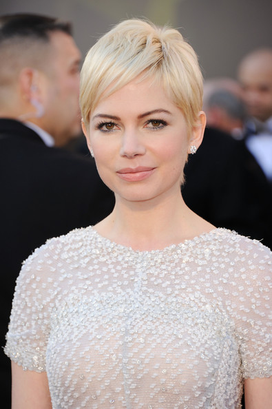 Michelle Williams Actress Michelle Williams arrives at the 83rd Annual ...