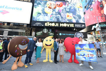 Michelle Raimo Kouyate The Cast of 'The Emoji Movie' Celebrates World Emoji Day on 'Good Morning America'