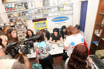 Mike Fielding The Mighty Boosh DVD Signing At Other Music In New York City