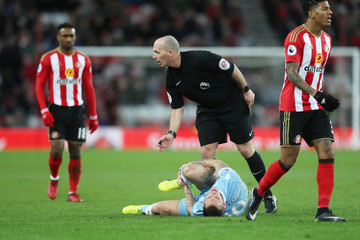Mike Dean Sunderland v Stoke City - Premier League