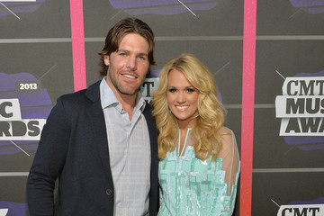 Mike Fisher Carrie Underwood Arrivals at the CMT Music Awards