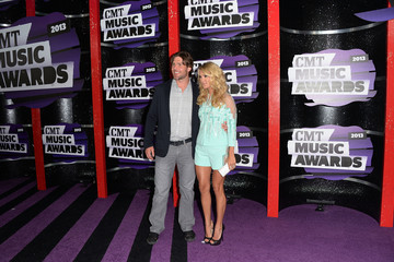 Mike Fisher Carrie Underwood Arrivals at the CMT Music Awards — Part 2