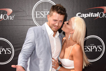 Mike Mizanin The 2015 ESPYS - Arrivals