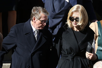 Mike Nichols Funeral Held for Oscar De La Renta