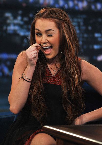 liebe hass spr�che. miley cyrus 2011 pictures.