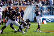 Robbie Gould #9 of the Chicago Bears watches as he makes the 55 yard field goal in the first quarter against the Minnesota Vikings at Soldier Field on November 1, 2015 in Chicago, Illinois.