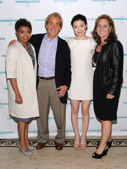 Miranda Cosgrove - 7th Annual Common Sense Media Awards Honoring Bill Clinton - Arrivals