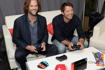 Misha Collins Nintendo At The TV Insider Lounge At Comic-Con International 2017