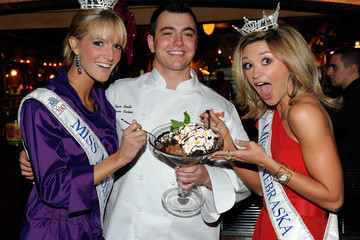 Brittany Jeffers Miss America Contestants Visit Buca Di Beppo Restaurant
