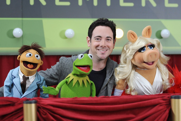 Miss Piggy and Kermit Photos Photos - Premiere Of Walt