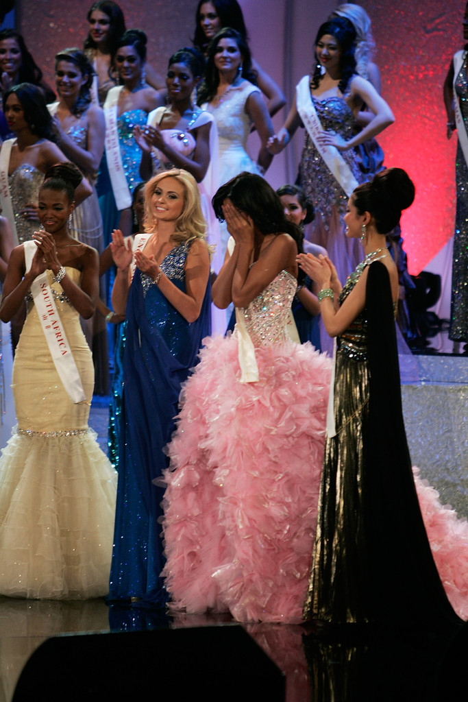 ivian sarcos, miss world 2011. Miss+World+Final+2011+FyVIX-DewXTx
