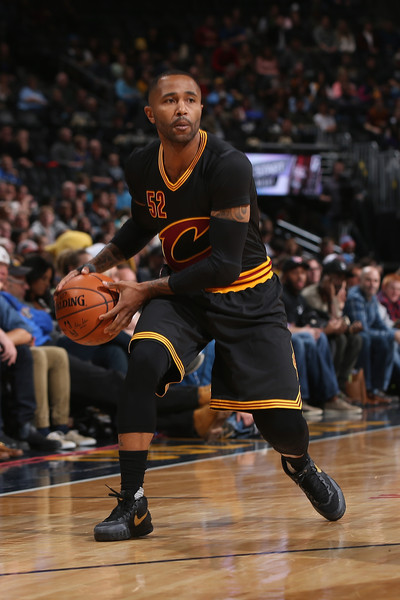 Cleveland Cavaliers v Denver Nuggets [photograph,basketball,sports,basketball player,basketball moves,ball game,player,tournament,team sport,basketball court,mo williams,user,user,note,ball,terms,denver,cleveland cavaliers,denver nuggets]