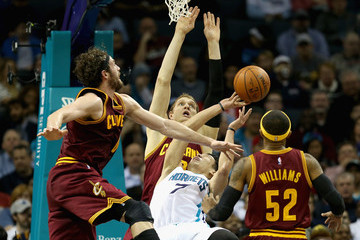 Mo Williams Cleveland Cavaliers v Charlotte Hornets