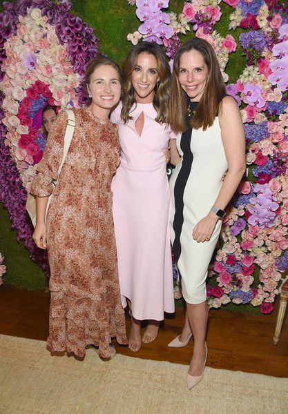 Arianna Huffington And Chelsea Hirschhorn Host Frida Mom Launch Dinner With Amy Schumer [photo,event,fashion,dress,bridesmaid,ceremony,floral design,formal wear,smile,flower arranging,party,chelsea hirschhorn,amy schumer,arianna huffington,lauren bush lauren,moira forbes,dinner,l-r,new york city,frida mom launch]