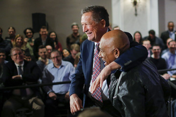 Montel Williams GOP Presidential Candidate John Kasich Holds Town Hall In Brooklyn