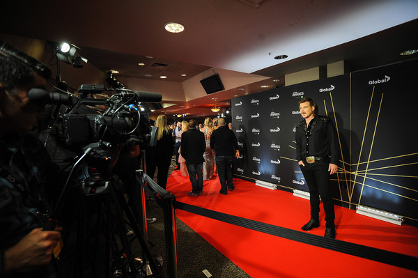2019 Canadian Country Music Awards - Arrivals [photo,red carpet,red,flooring,carpet,room,night,games,arrivals,morgan wallen,red carpet,canada,calgary,scotiabank saddledome,canadian country music awards]