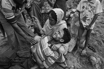 Muhammad Yunus Rohingya Refugees Flee Into Bangladesh to Escape Ethnic Cleansing