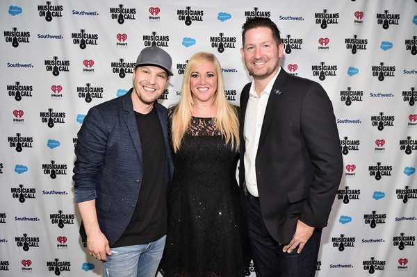 Musicians On Call Honors Gavin DeGraw And Alissa Pollack For Their Support Of The Healing Power Of Music