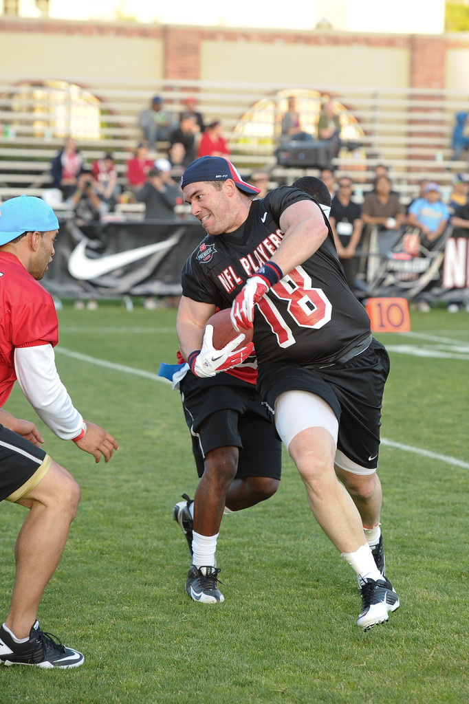Matt Hasselbeck to participate in celebrity flag football game