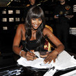 https://www1.pictures.zimbio.com/gi/Naomi+Campbell+Celebrates+25+Year+Career+Dolce+cHnNk3EzHYNc.jpg