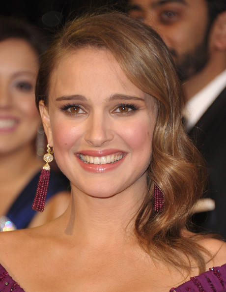 http://www1.pictures.zimbio.com/gi/Natalie+Portman+83rd+Annual+Academy+Awards+l9SKQrGSR_Tl.jpg