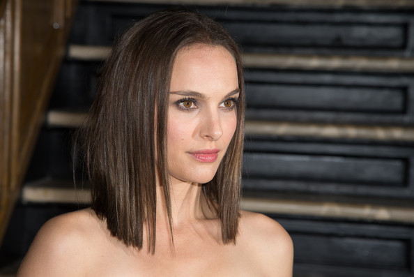 "Natalie Portman - The Cinema Society And Dior Beauty Host A Screening Of ""Thor: The Dark World"" -After Party"