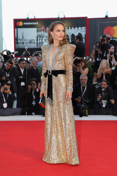 'Vox Lux' Red Carpet Arrivals - 75th Venice Film Festival [red carpet,carpet,clothing,flooring,dress,fashion model,premiere,fashion,event,gown,lux red carpet arrivals,natalie portman,sala grande,red carpet,venice,italy,vox lux,venice film festival,screening]