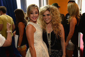 Natalie Stovall Mary Sarah 2014 CMT Music Awards - Red Carpet