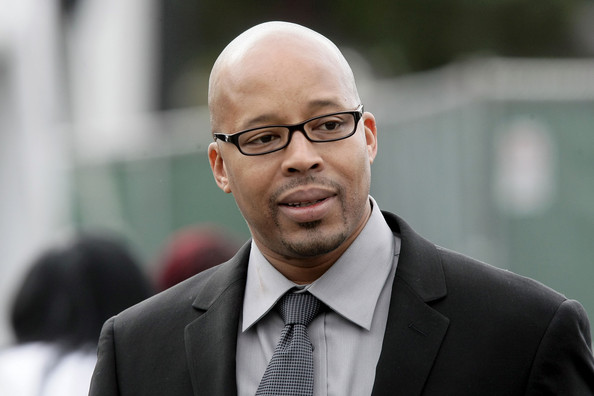 nate dogg funeral. Warren G arrives at Nate Dogg