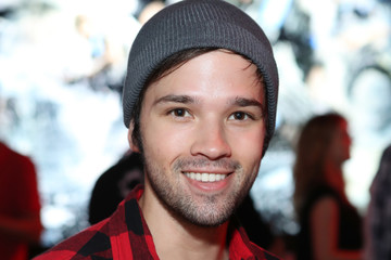 Nathan Kress Xbox & 'Gears of War 4' Los Angeles Launch Event at the Microsoft Lounge