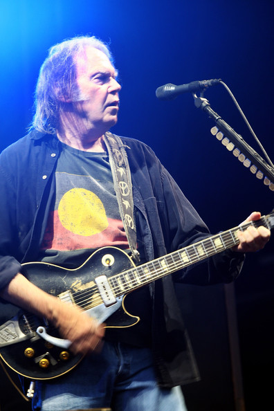 Neil Young Photos - 733 of 884