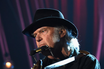 Neil Young MusiCares Person Of The Year Tribute To Bob Dylan - Roaming Show