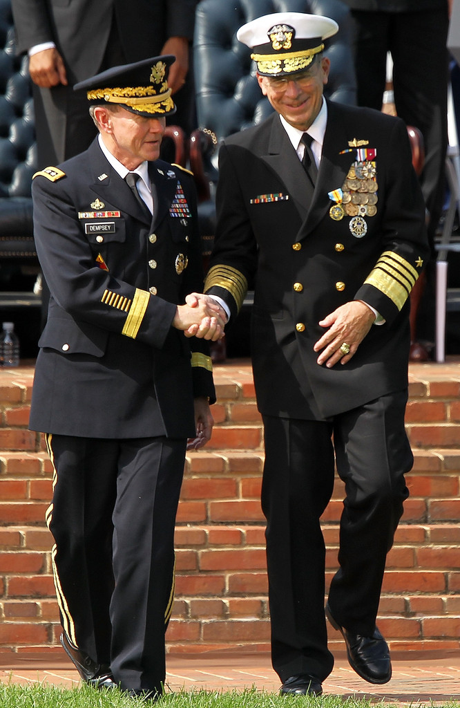New joint chiefs chairman takes command at change of for Chair joint chiefs of staff
