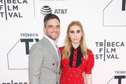 """Actors Evan Jonigkeit (L) and Zosia Mamet attend New York Red Carpet & World Premiere Screening of STARZ' """"Sweetbitter"""" at Tribeca Film Festival on April 26, 2018 in New York City."""