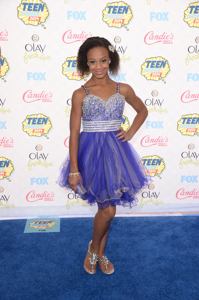 Nia Frazier Photoshoot Arrivals at the teen choice