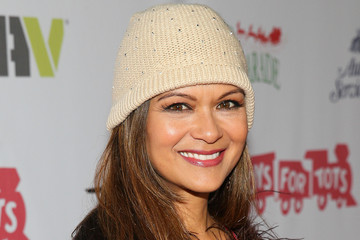Nia Peeples Arrivals at the Hollywood Christmas Parade — Part 2
