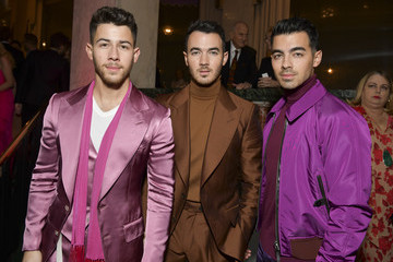 Nick Jonas Kevin Jonas The Women's Cancer Research Fund's An Unforgettable Evening 2020 - Cocktail Reception
