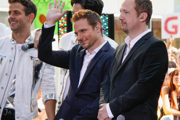 Nick Lachey Justin Jeffre Bands Perform on 'The Today Show' in NYC