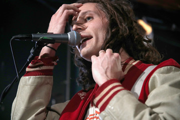 Nick Valensi MTV's 'Wonderland' LIVE Show - Thursday, October 20, 2016