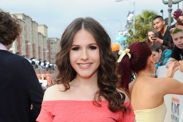Erin Sanders Nickelodeon's 25th Annual Kids' Choice Awards - Red Carpet