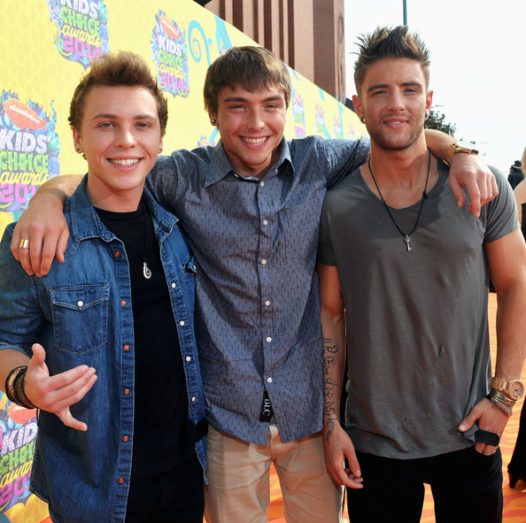 emblem3 drew dating They are, from left, wesley stromberg, keaton stromberg and drew the 24- date trek will wrap on march 15 when the boys return to la and.