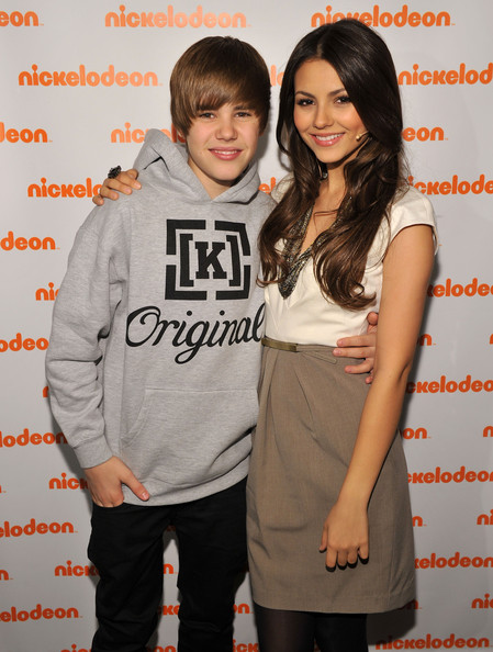 Victoria Justice Musician Justin Bieber and actress Victoria Justice attend the 2010 Nickelodeon Upfront Presentation at Hammerstein Ballroom on March 11, 2010 in New York City.