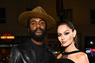 """Nicole Trunfio Premiere Of Warner Bros. Pictures' """"Justice League"""" - Red Carpet"""