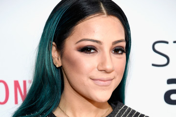 Niki DeMartino The 6th Annual Streamy Awards Hosted by King Bach and Live Streamed on YouTube - Red Carpet